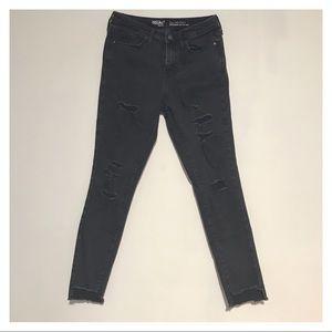 Black high waisted skinny jeans!